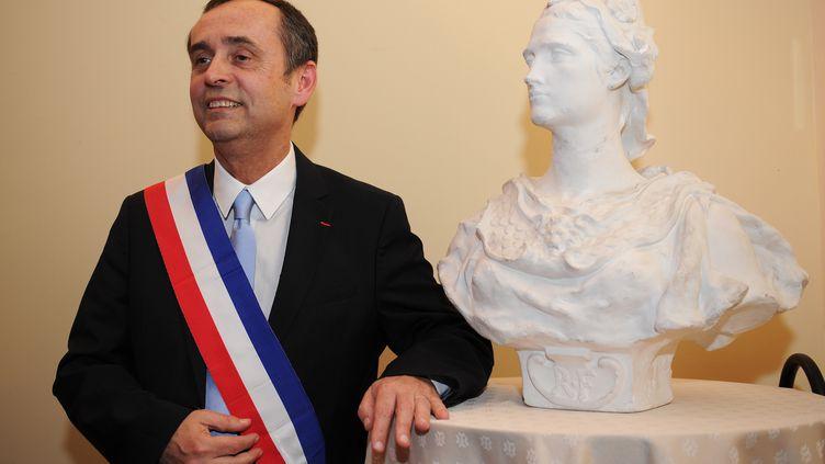 Le maire de Béziers (Hérault), Robert Ménard, le 4 avril 2014. (SYLVAIN THOMAS / AFP)