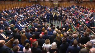 La Chambre des communes lors de la séance extraordinaire du 19 octobre 2019 sur l'accord de Brexit, à Londres (Grande-Bretagne). (PRU / AFP)