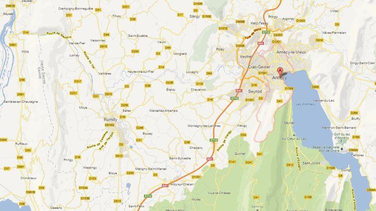 """Un chirurgien d'Annecy (Haute-Savoie) a oublié une sonde dans le corps de son patient, rapporte """"Le Parisien"""", mardi 23 avril. ( GOOGLE MAPS / FRANCETV INFO )"""