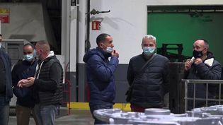 Des salariés d'une fonderie de Saint-Claude, dans le Jura. (CAPTURE ECRAN FRANCE 2)