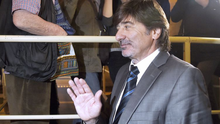 Michel Neyret arrive au tribunal correctionnel de Paris, le 2 mai 2016. (DOMINIQUE FAGET / AFP)