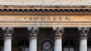 Le palais Brongniart, qui abrite la Bourse de Paris. (MANUEL COHEN / AFP)