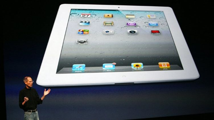 Présentation de l'iPad 2 par Steve Jobs (en personne !) mercredi 2 mars (AFP/KIMIHIRO HOSHINO)