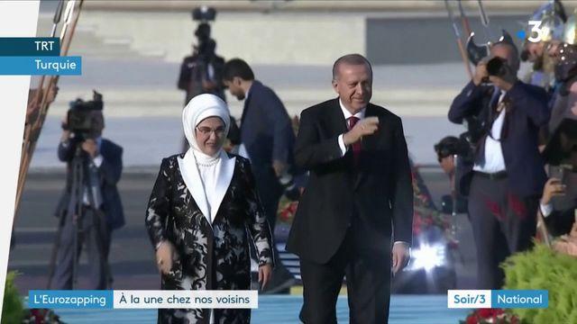 Eurozapping : Erdogan intronisé en Turquie, apaisement entre Espagne et Catalogne