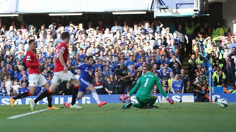 Eden Hazard ouvre le score pour Chelsea face à Manchester United (BACKPAGE IMAGES / BACKPAGE IMAGES LTD)