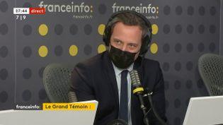 Adrien Taquet, le secrétaire d'État chargé de l'Enfance et des Familles le 18 janvier sur franceinfo. (FRANCEINFO / RADIOFRANCE)