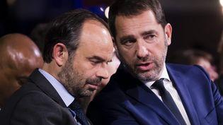 Christophe Castaner, ici à gauche, affiche une grande entente avec Edouard Philippe, le Premier ministre, à droite sur la photo. (MAXPPP)