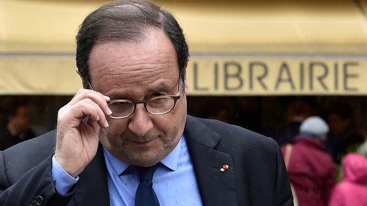 François Hollande, à Tulle (Corrèze), le 14 avril 2018. (GEORGES GOBET / AFP)