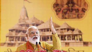 Le Premier ministre indien Narendra Modi lors de la cérémonie religieuse à Ayodhya le 5 août 2020. (AFP PHOTO / Indian Press Information Bureau (PIB))