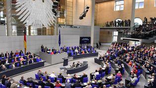 Les élus du Bundestag débattent du projet de loi sur le mariage pour tous, vendredi 30 juin 2017, à Berlin (Allemagne). (TOBIAS SCHWARZ / AFP)