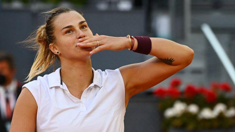 Aryna Sabalenka remporte le tournoi de Madrid aux dépens d'Ashleigh Barty (GABRIEL BOUYS / AFP)