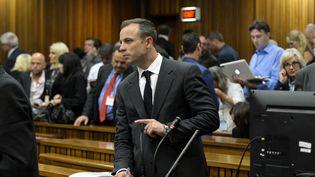Le champion paralympique sud-africain Oscar Pistorius devant les juges le 3 mars 2014 à Pretoria. (HERMAN VERWEY / AFP)