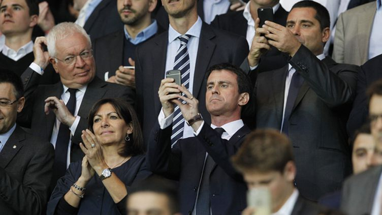 (Manuel Valls, ici au Parc des Princes en avril lors de PSG/Barça, assistera ce soir à la finale de la Ligue des champions  © MaxPPP)