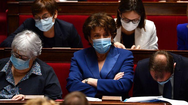 La ministre de la Culture Rodelyne Bachelot portant un masque à l'Assemblée nationale le 8 juillet 2019. (CHRISTOPHE ARCHAMBAULT / AFP)