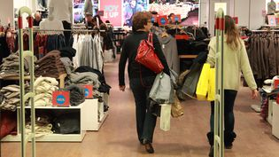 Magasin de vêtements aucentre commercial Vélizy 2. (MAXPPP)