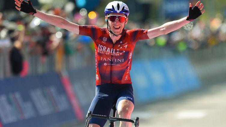 Dan Martin (Israel Start-Up Nation) a remporté la 17e étape du tour d'Italie 2021 en solitaire. (DARIO BELINGHERI / AFP)