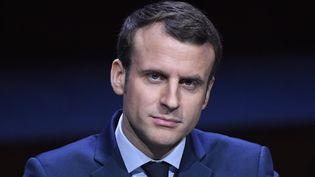 Emmanuel Macron lors d'un discours devant les maires de France, le 22 mars 2017 à Paris. (BERTRAND GUAY / AFP)