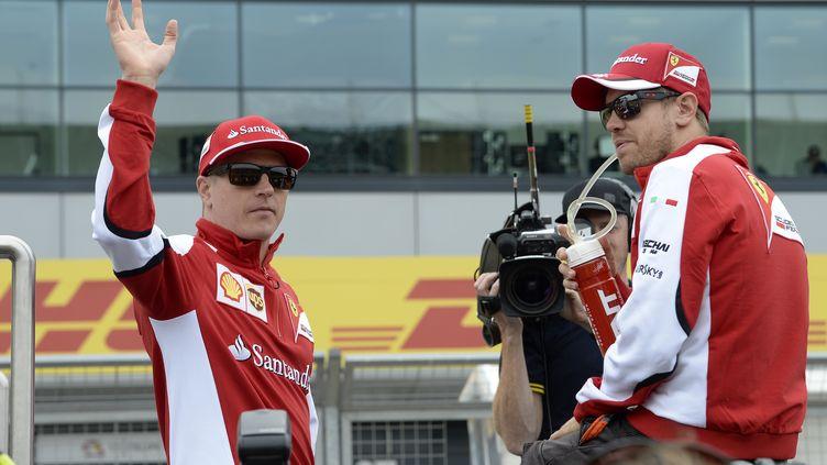 Kimi Raikkonen aux côtés de Sebastian Vettel. (ERIC VARGIOLU / E.V.A.)