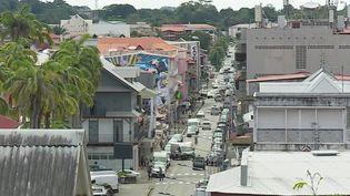 Covid-19 : la Guyane, frappée par la variant brésilien, sous haute surveillance (France 2)