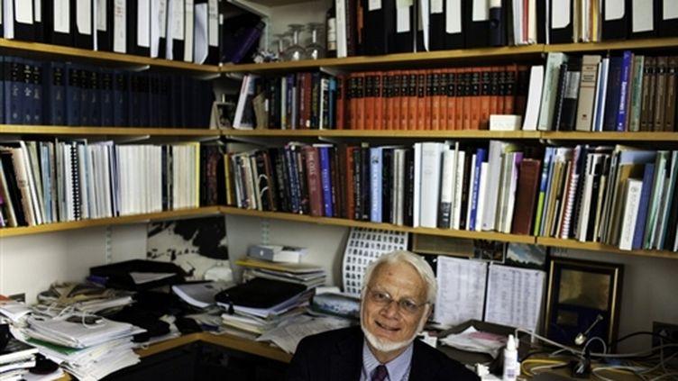 Le prix Nobel 2009 de chimie, Thomas A. Steitz, de Yale, 2e meilleure université mondiale selon Shanghaï (© AFP/Christopher Capozziello)