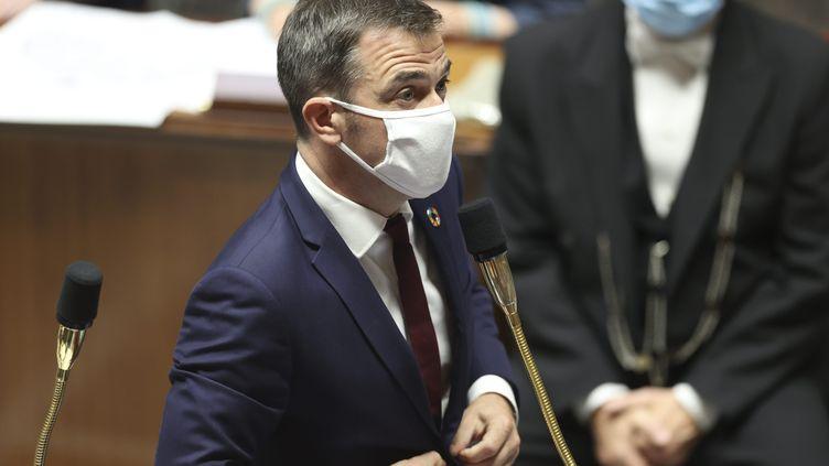 Le ministre de la Santé et des Solidarités Olivier Véranà l'Assemblée nationale le 22 septembre 2020. (SEBASTIEN MUYLAERT / MAXPPP)