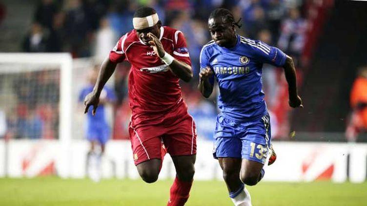 Manchester United peut exulter, le tir au but manqué d'Anelka est synonyme de victoire