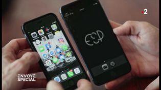Accro au smartphone ? Les astuces d'Aza Raskin, l'inventeur du scroll infini (ENVOYÉ SPÉCIAL  / FRANCE 2)