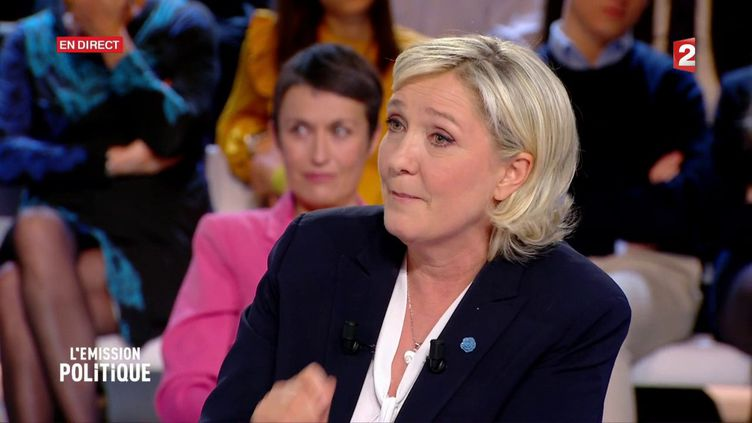 La présidente du FN, Marine Le Pen, sur le plateau de France 2, le 9 février 2017. (FRANCE 2)