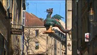 La légende raconte que depuis le XIe siècle, le dragon Graoully plane sur Metz (Moselle), dont il a longtemps terrorisé les habitants. (CAPTURE ECRAN FRANCE 2)