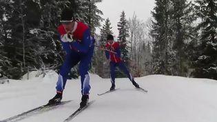 Aux Jeux paralympiques, dans certaines épreuves, l'histoire s'écrit à deux. France 2 a suivi le duo composé d'Anthony Chalençon, biathlète non-voyant, et son guide, Simon Valverde. (France 2)