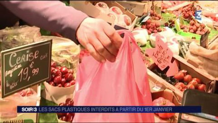 Les sacs plastiques ne seront plus distribués en 2017. (FRANCE 3)