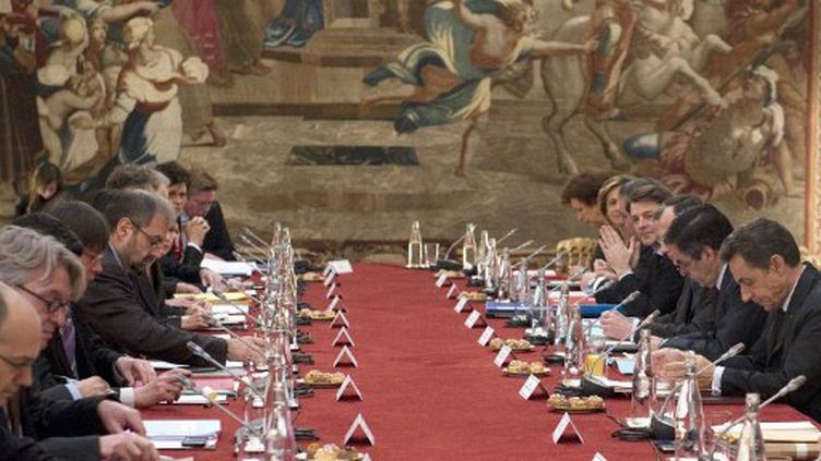 Le sommet social à l'Elysée (LIONEL BONAVENTURE / POOL / AFP)