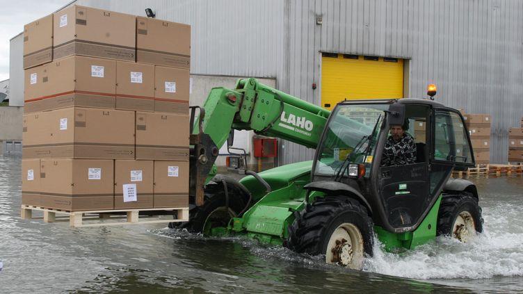 Buchères, au sud de Troyes(Aube), le10 mai 2013, uneusine RPC avec 60 centimètres d'eau (MAXPPP)