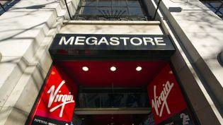 L'entrée du Virgin Megastore des Champs-Elyséees  (Lionel Bonaventure / AFP)