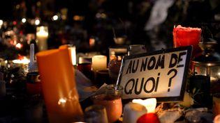 """Des dizaines de personnalités culturelles appellent à """"faire du bruit"""", vendredi 20 novembre à 20h20, l'heure où ont débuté les attaques dans Paris une semaine plus tôt. (CITIZENSIDE / ETIENNE GARCIA /AFP)"""