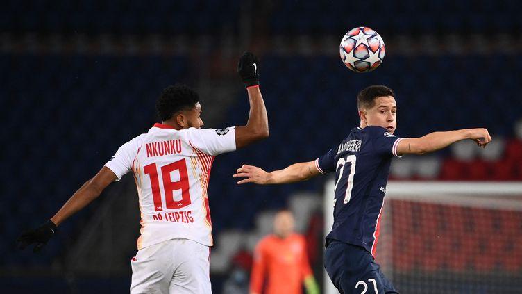 Le PSG d'Ander Herrera va retrouver le RB Leipzig de Christophr Nkunku, mardi au Parc des Princes. (FRANCK FIFE / AFP)