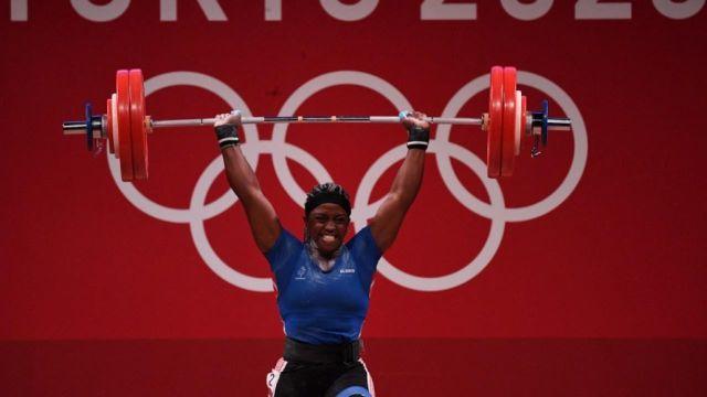 La Française, Gaëlle Nayo-Ketchanke termine à la cinquième place après cette barre à 139kg en épaulé-jeté qui porte à un total de 247kg.