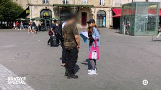 """""""Ils traquent les pédophiles"""" : """"Envoyé spécial"""" a filmé la confrontation d'un prédateur présumé (ENVOYÉ SPÉCIAL  / FRANCE 2)"""