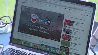 Chaque semaine, le dispositif permet aux supporters de combler leur manque de football. (FRANCE 3)