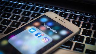 Facebook, Twitter, Instagram... Le périmètre des réseaux sociaux qui seront surveillés par l'administration ficale n'est pas encore arrêté. (Photo d'illustration) (NUR PHOTO / AFP)