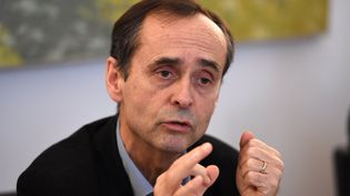 Robert Ménard, le 19 janvier 2016, lors d'une conférence de presse à Béziers (Hérault). (PASCAL GUYOT / AFP)