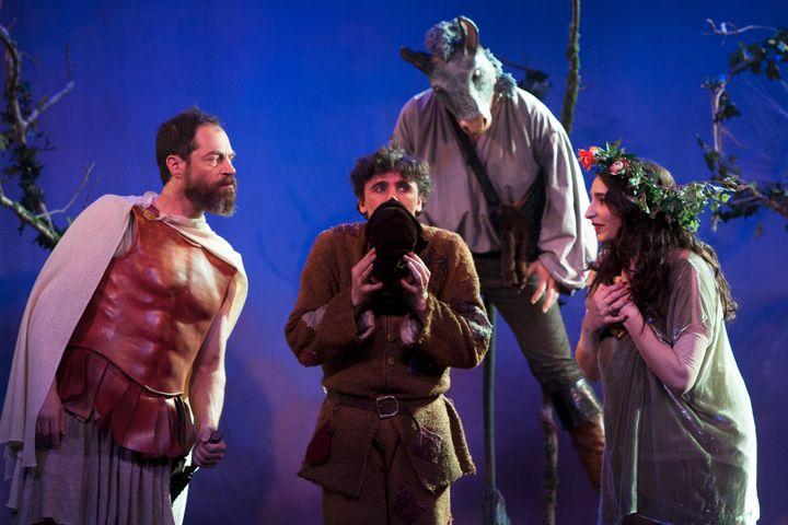 Un voyage déjanté à travers l'histoire du théâtre  (Emilie Brouchon)
