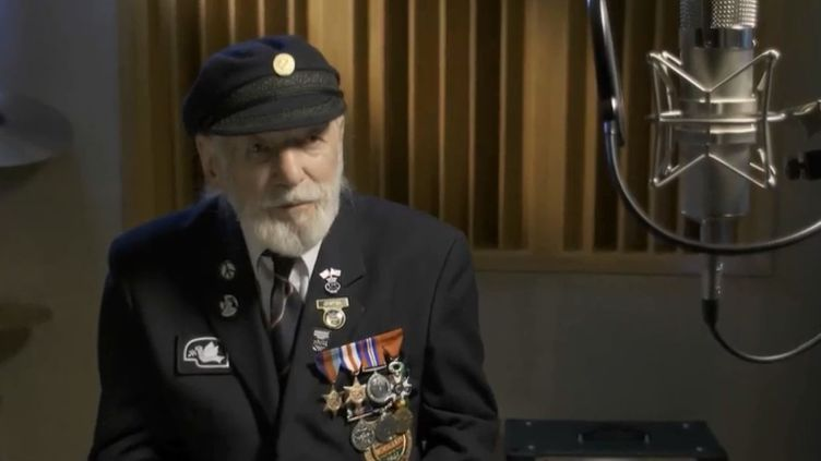 Jim Radford, vétéran britannique du Débarquement et auteur de la chansonThe Shores of Normandy. (FRANCE 2)