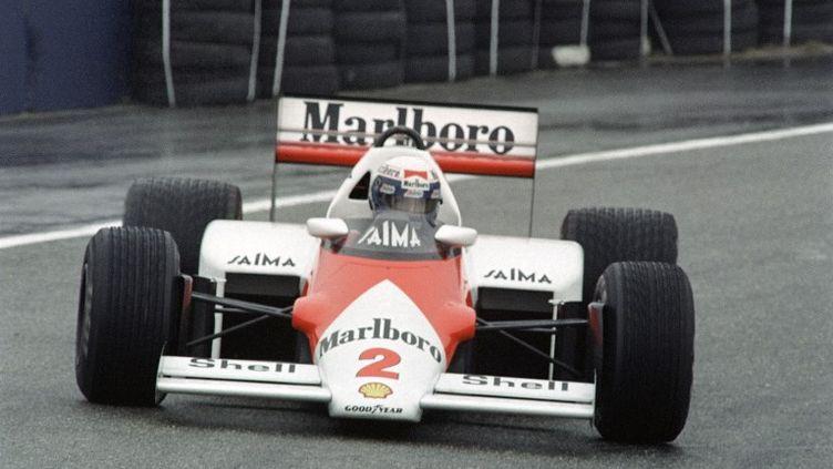 Alain Prost, champion du monde de F1 1985 sur la McLaren-TAG Porsche (DOMINIQUE FAGET / AFP)