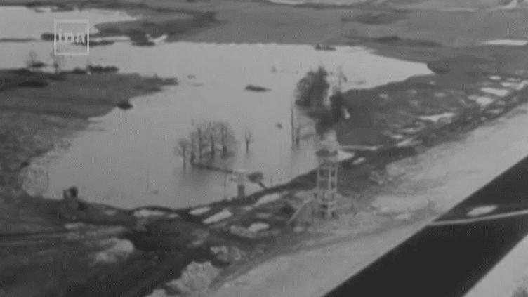 """Ce reportage de 1966 revient sur la construction du """"réservoir Seine"""", l'un des éléments du """"bouclier de Paris"""", censé prémunir la capitale des inondations. (INA / FRANCETV INFO)"""