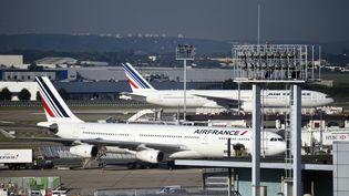 Des avions d'Air France sur le tarmac d'Orly, le 18 septembre 2014. (ERIC FEFERBERG / AFP)