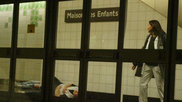 Une station du métro de Lille lors d'un exercice de sécurité, le 8 décembre 2004. (FRANCOIS LO PRESTI / AFP)