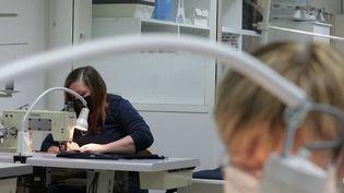 Économie : des emplois créés grâce aux relocalisations (France 2)