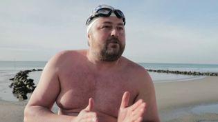 """Pas-de-Calais : Stève Stievenart, dit """"le phoque"""", un nageur de l'extrême (Capture d'écran France 2)"""