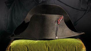 Le chapeau de Napoiéon 1er aux enchères le 15 et 16 novembre 2014 à Fontainebleau  (Maisons de ventes Osenat et Binoche et Giquello)